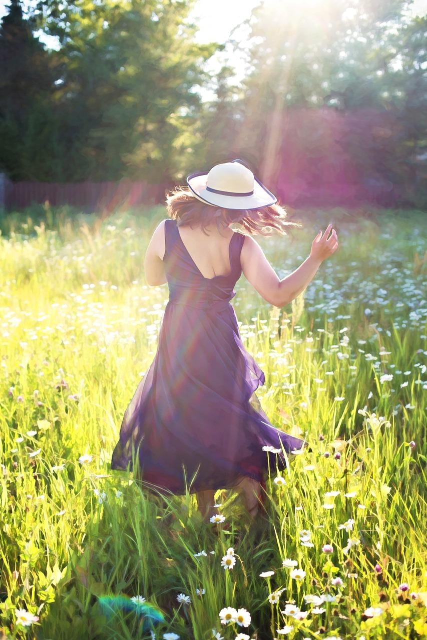 wapperende jurk zonnig